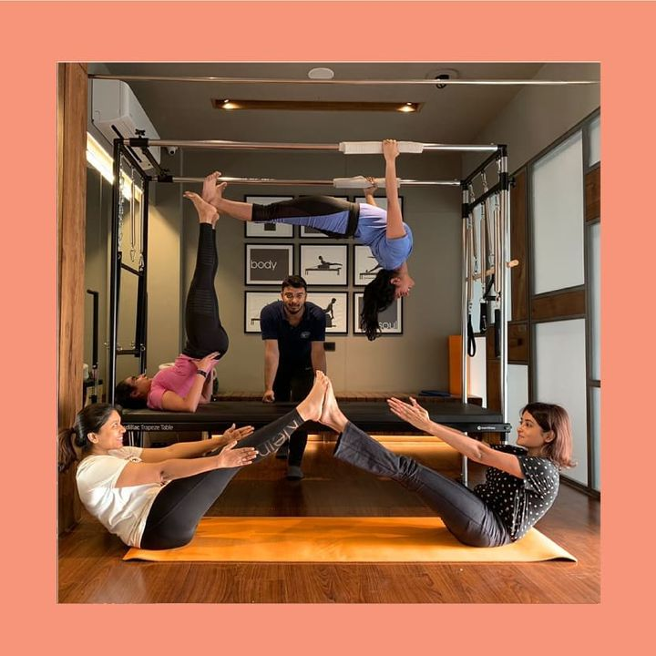 #MondayMood: This is how we hang around at @thepilatesstudioahmedabad🧡 . . Contact us for queries on: 9099433422/07940040991 www.pilatesaltitude.com . . .  #Pilates #PilatesCommunity #Fitness #FitnessEnthusiasts #HealthTips #EatHealthy #Stretch #WorkOut #ThePilatesStudio #Graceful #Relax #FitnessMotivation #InstaFit #StottPilates #FitnessStudio #Fitspo  #ThePilatesStudio #Strength #pilates #PilatesGirl #ahmedabaddiaries #Workout #WorkoutMotivation #fitness  #ahmedabad #india #igers #instaahmedabad