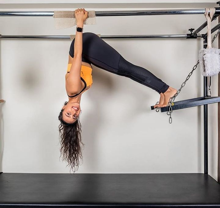 #ThoughtfulThursday: Sometimes you just have to change the way you look at things!  . . @namratapurohit conquering the world upside down on the Cadillac at #ThePilatesStudio💕 . . Contact us for queries on: 090994 33422 www.pilatesaltitude.com . . #Fitness #FitIndia #TrainSmart #Pilates #Exercise #BollywoodFitness #BollywoodFitnessTrainer #WeekdayMotivation #India #FitnessEnthusiasts #HealthTips #EatHealthy #Stretch #WorkOut #ThePilatesStudio #Humfittohindiafit  #strongwomen #FitnessMotivation #InstaFit #exercisemotivation #FitnessStudio #Fitspo #exercise #Strength #love #Workout  #instafitness #igers