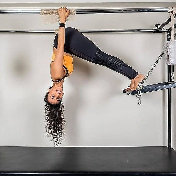 Sometimes you just have to change the way you look at things!  . . @namratapurohit conquering the world upside down on the Cadillac at #ThePilatesStudio💕 . . Contact us for queries on: 90994 33422 www.pilatesaltitude.com . . #Fitness #FitIndia #TrainSmart #Pilates #Exercise #BollywoodFitness #BollywoodFitnessTrainer #WeekdayMotivation #India #FitnessEnthusiasts #HealthTips #EatHealthy #Stretch #WorkOut #ThePilatesStudio #Humfittohindiafit  #strongwomen #FitnessMotivation #InstaFit #exercisemotivation #FitnessStudio #Fitspo #exercise #Strength #love #Workout  #instafitness #igers