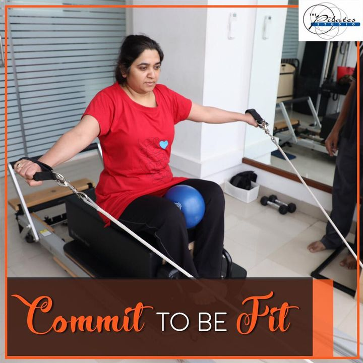 Meet one of our fitness enthusiasts working those muscles on the Reformer early this morning! 🌞🤸🏼♀️  Contact us for queries on: 9099433422/07940040991 www.pilatesahmedabad.in