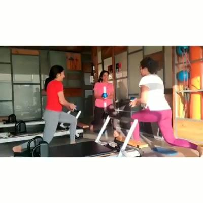 This is how we shoo away our #MondayBlues @thepilatesstudioahmedabad 💁🏼♀️ . . Contact us for queries on: 9099433412/ 9099433422/07940040991 www.pilatesaltitude.com . . . #ahmedabad #ahmedabadFitness #Fitness #India #FitnessEnthusiast #Fitness #workout #fit #celebrity #InstaFit #FitnessStudio #Fitspo  #Workout #WorkoutMotivation #fitness  #pilatesgirl #pilatesbody #thepilatesstudioahmedabad #celebritytrainer #gettingbettereachday #fitnessforever #workhard #workhardplayhard #namratapurohit #igers #humfittohindiafit